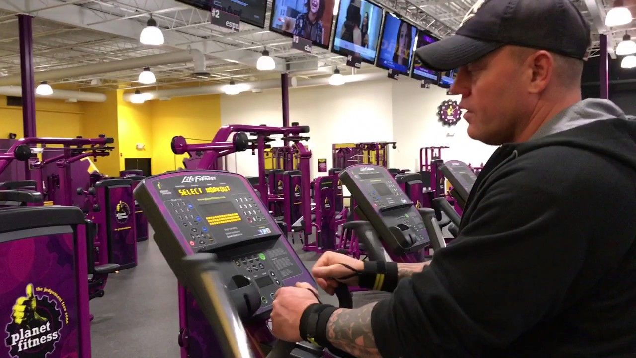 Planet Fitness Elliptical Machine How To Use The Elliptical Machine At Planet Fitness Workout Ellipticals Elliptical Machine