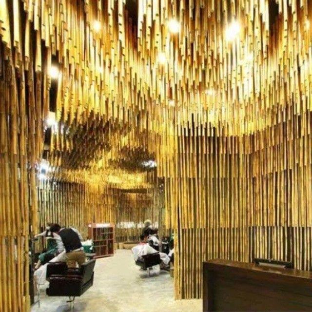 Salão de Bambu, em Bangkok, Tailândia. Projeto do escritório tailandes NKDW.#architecture #arquitetura #arte #artes #arts #art #artlover #design #architecturelover #instagood #instacool #instadaily #design #projetocompartilhar #davidguerra #arquiteturadavidguerra #shareproject #bambu #leveza #bamboo #lightness #bambooarchitecture #bangkokarchitecture #thaidesigner #bamboowall #thailand #bangkok