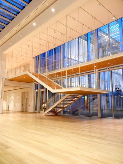 renzo piano designed chicago 39 s modern wing of the art institute with a floating staircase. Black Bedroom Furniture Sets. Home Design Ideas