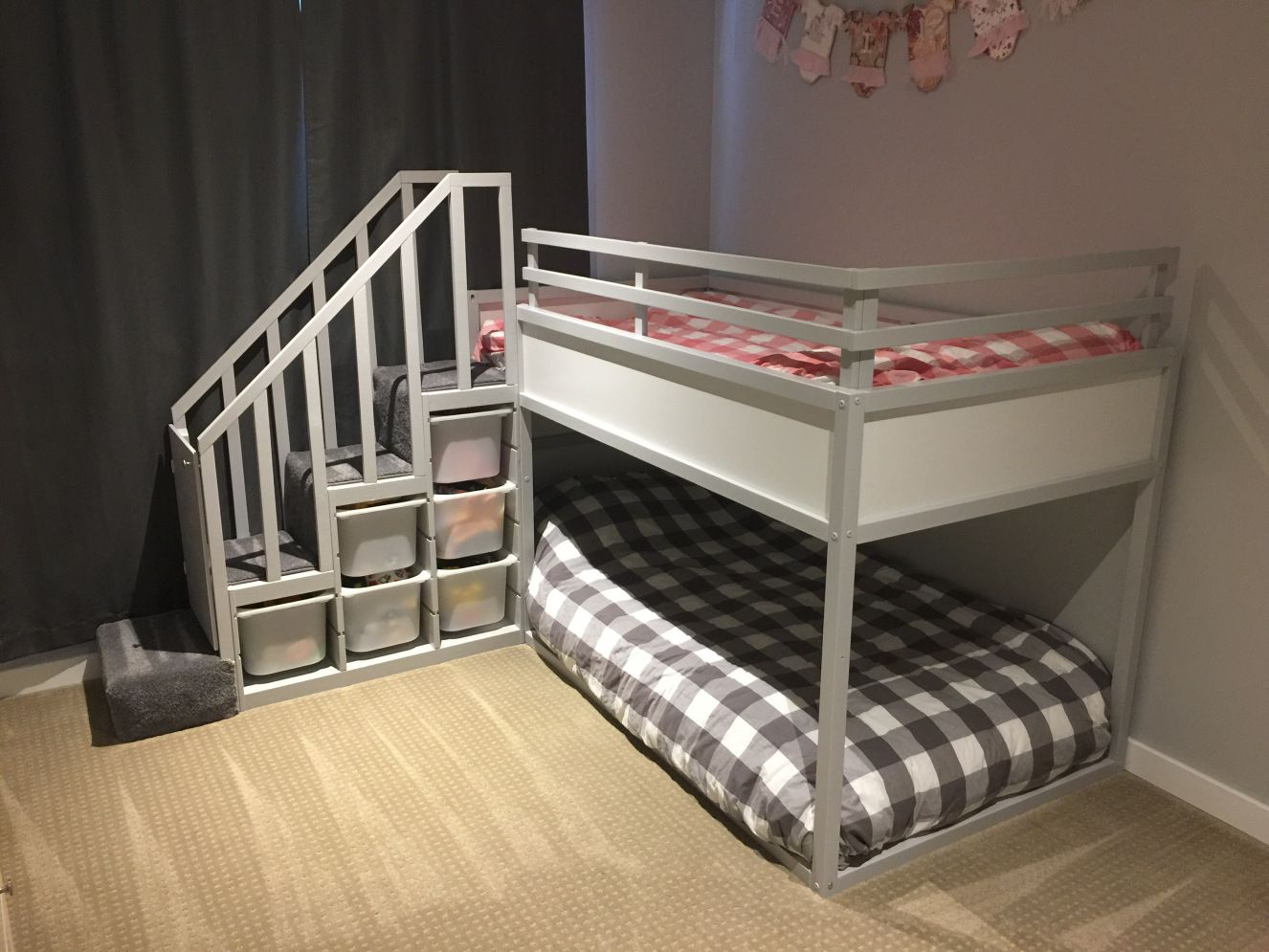 ikea kura bunk bed hack stacy and eric pinterest bett und kinderzimmer. Black Bedroom Furniture Sets. Home Design Ideas