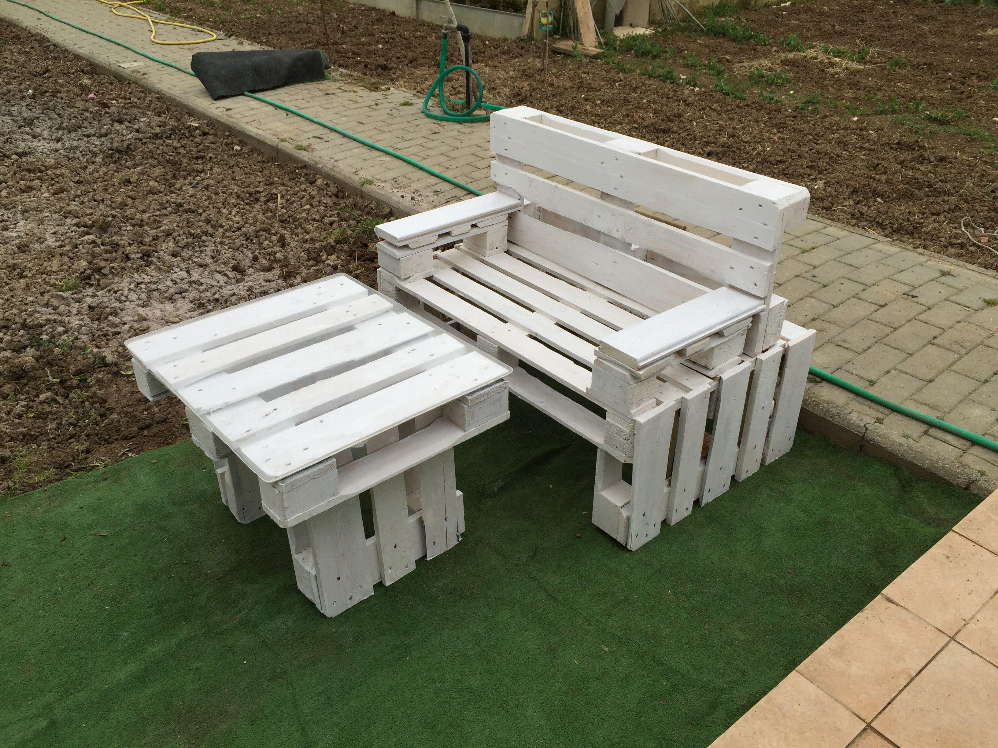 Panchina due posti fatta con 3 bancali idee per la casa for Panchine con bancali