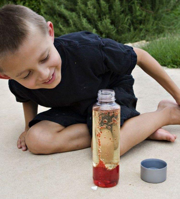 rote lavalampe selber machen experimente kindergarten pinterest lavalampe selber machen. Black Bedroom Furniture Sets. Home Design Ideas