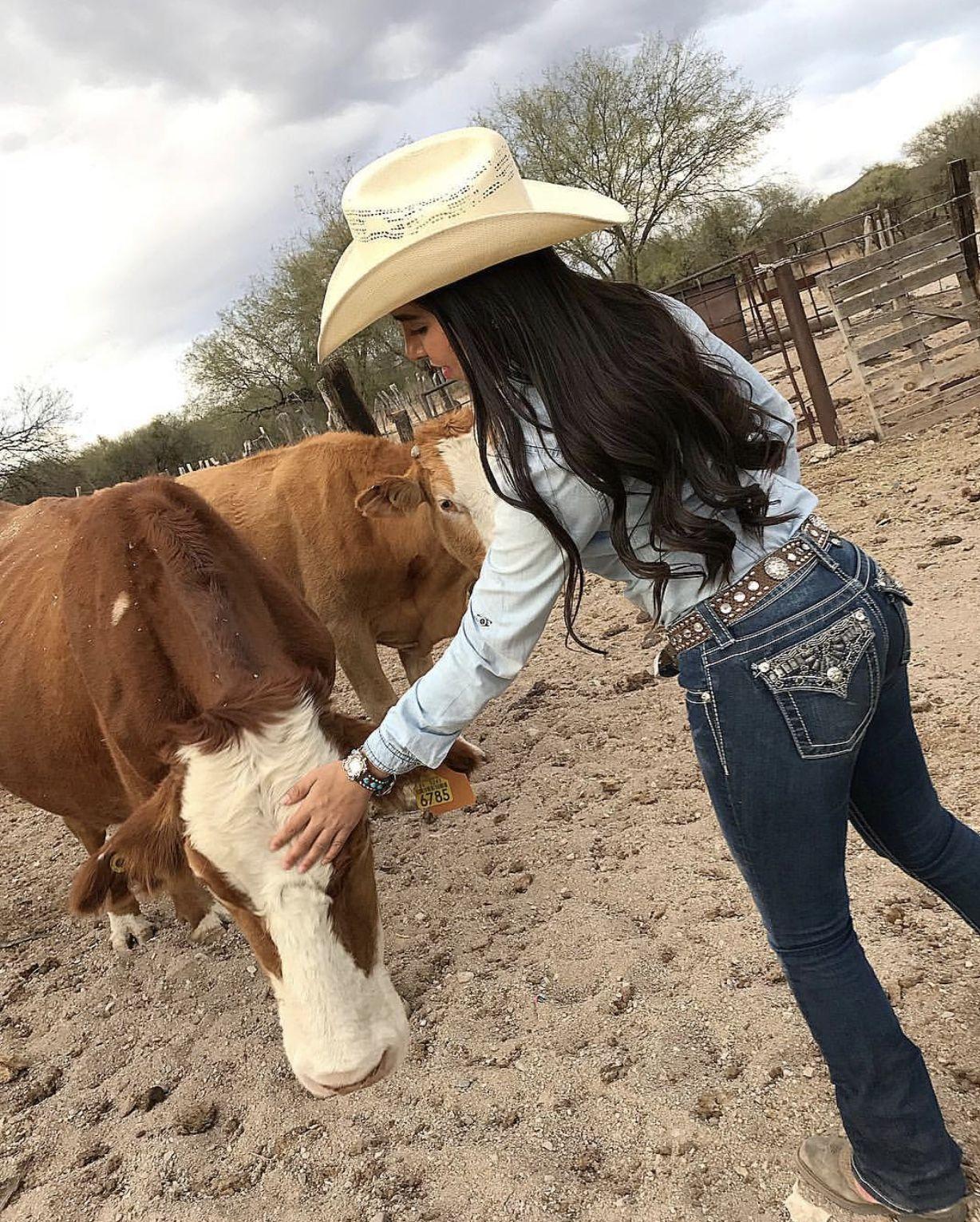 Pin by Suzyyy💓 on v a q u e r a in 2019 | Cowboy boot ...