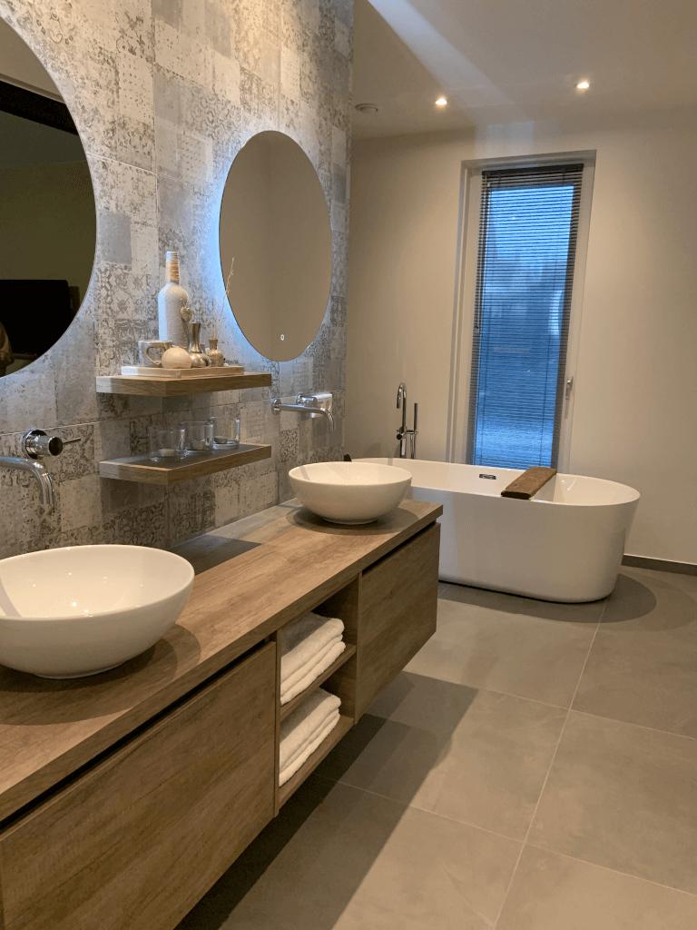 Badkamer industrieel / vintage (binnen kijken bij..)