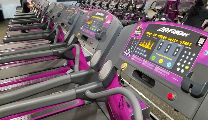 Mounting A Phone Or Tablet On A Planet Fitness Treadmill Planet Fitness Workout Phone Mount Planets