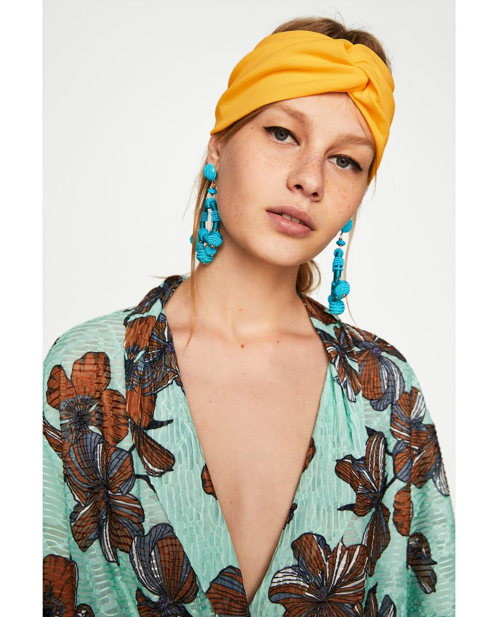 a54092d9ec3 Image 2 of TURBAN-STYLE HEADBAND WITH KNOT from Zara