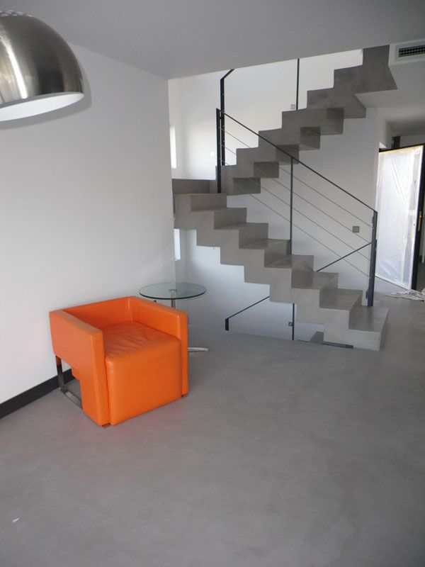 Pavimentos continuos hormig n pulido mortero for Escaleras de cemento para interiores
