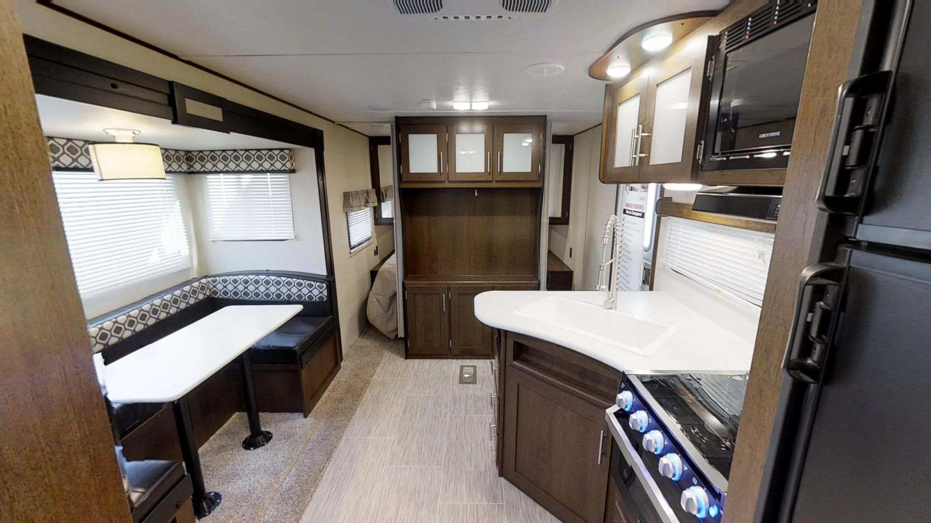 Avenger Ati 29rbs Travel Trailers By Prime Time Manufacturing