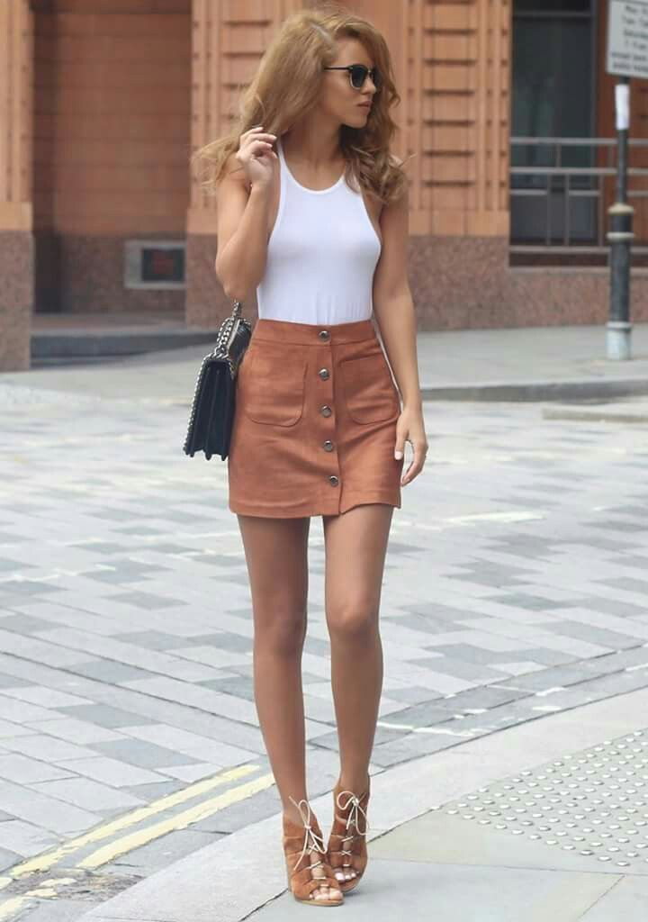 8e4953d5e Cute mini skirt with white tank top | Fashionista | Skirt outfits ...