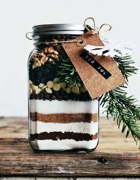 I Love The Idea Of A Homemade Gift Its A Bit More Special Knowing That Person Put In The Time And Effort To Homemade Christmas Christmas Jars Brownies In A Jar