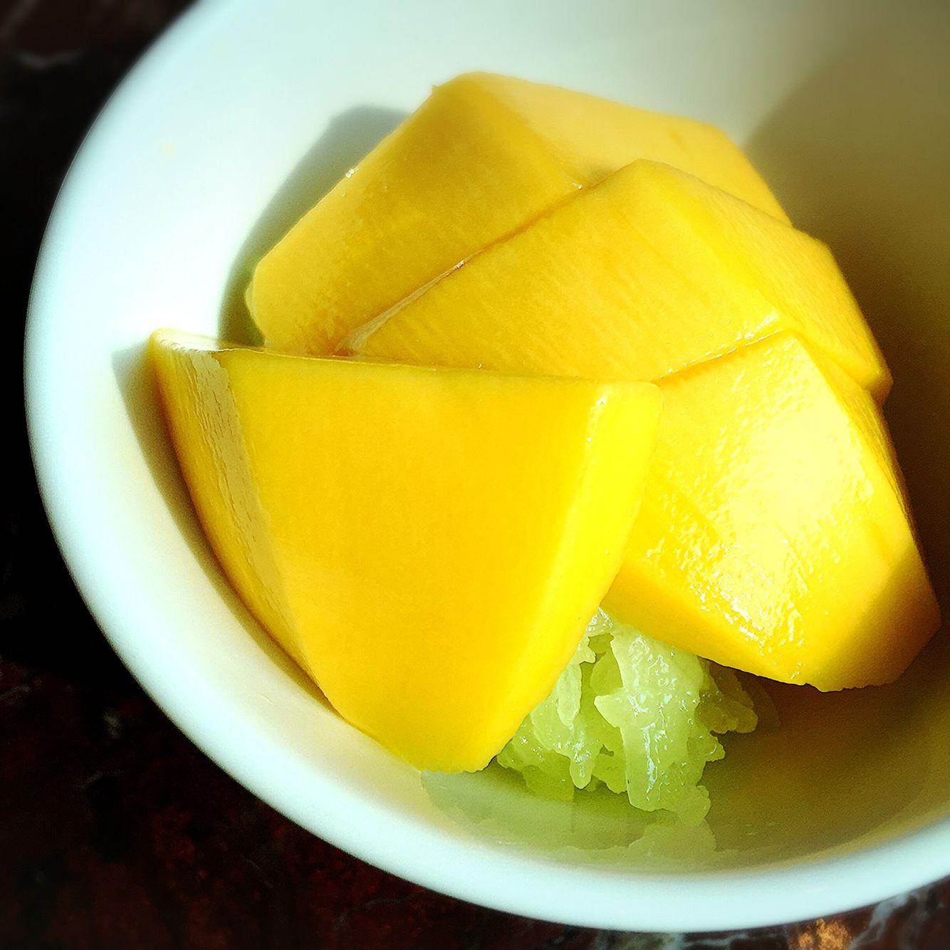my fav Thai dessert! Mango Sticky Rice ~ Renaissance Hotel BKK