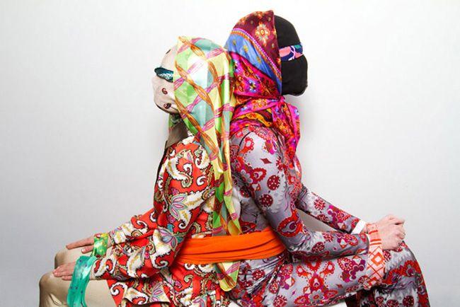 revelar camadas de textura e posturas incomuns. Um mix de tecidos e marcas a serem exploradas.