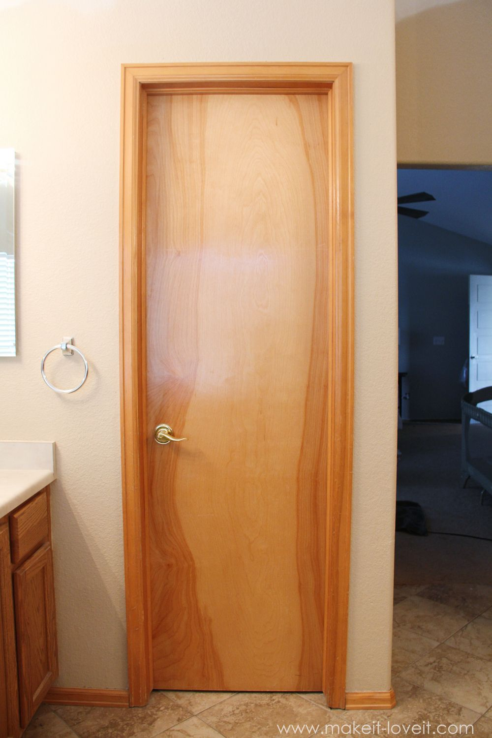 How to UNinstall an OLD DOOR...the SIMPLE way!   via Make It and Love It
