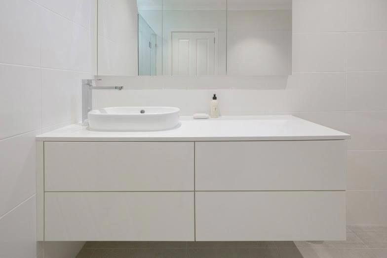 Simple never hurt anybody 😝 #design #bathroom #bathroomdesign