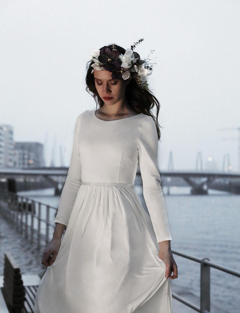 Silk Wedding Dress Winter Wedding Short Wedding Dress With Etsy Winter Wedding Dress Short Wedding Dress Daphne Dress [ 1036 x 794 Pixel ]