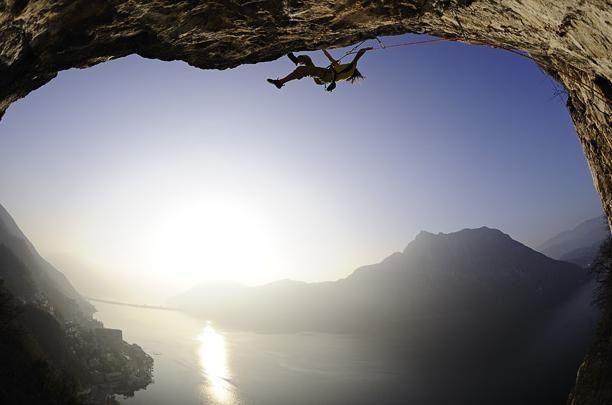 mountaineering rock climbing extreme sports adventure How do they not get dizzy?