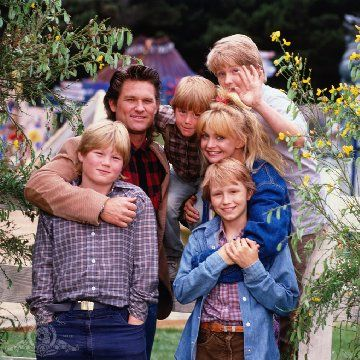 Overboard I Ve Always Loved This Movie I Can T Believe They Ever Broke Up In Real Life Cassandra Artur Good Movies Goldie Hawn Overboard Movie