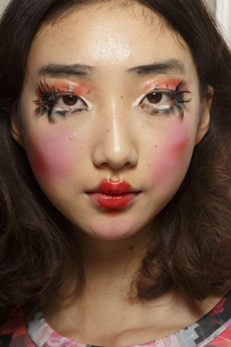 VIVIENNE WESTWOOD Fashion editorial makeup, Catwalk