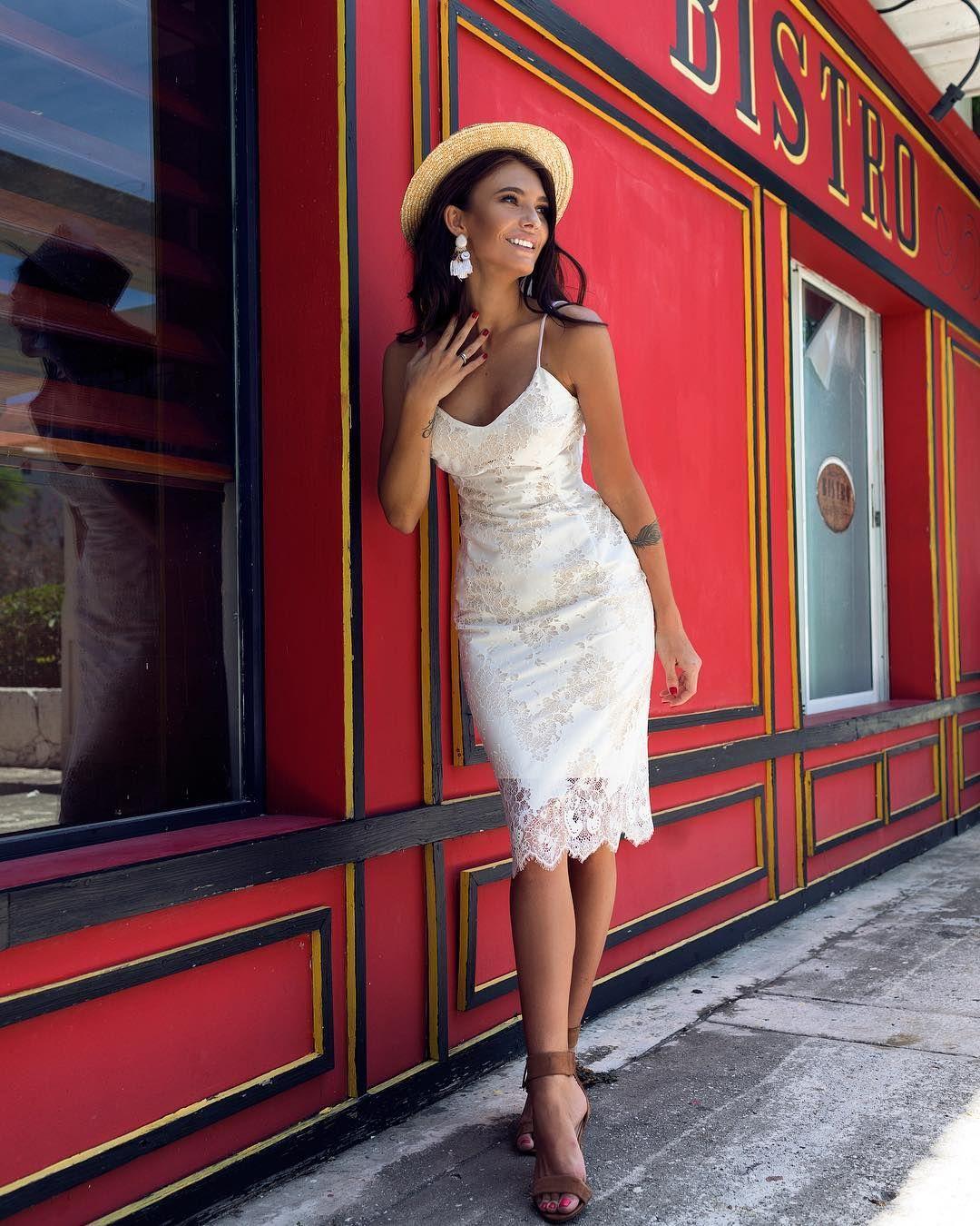 Malina Fashion круизная коллекция 2018. Белое кружевное платье-миди ... ebc26808bcb25