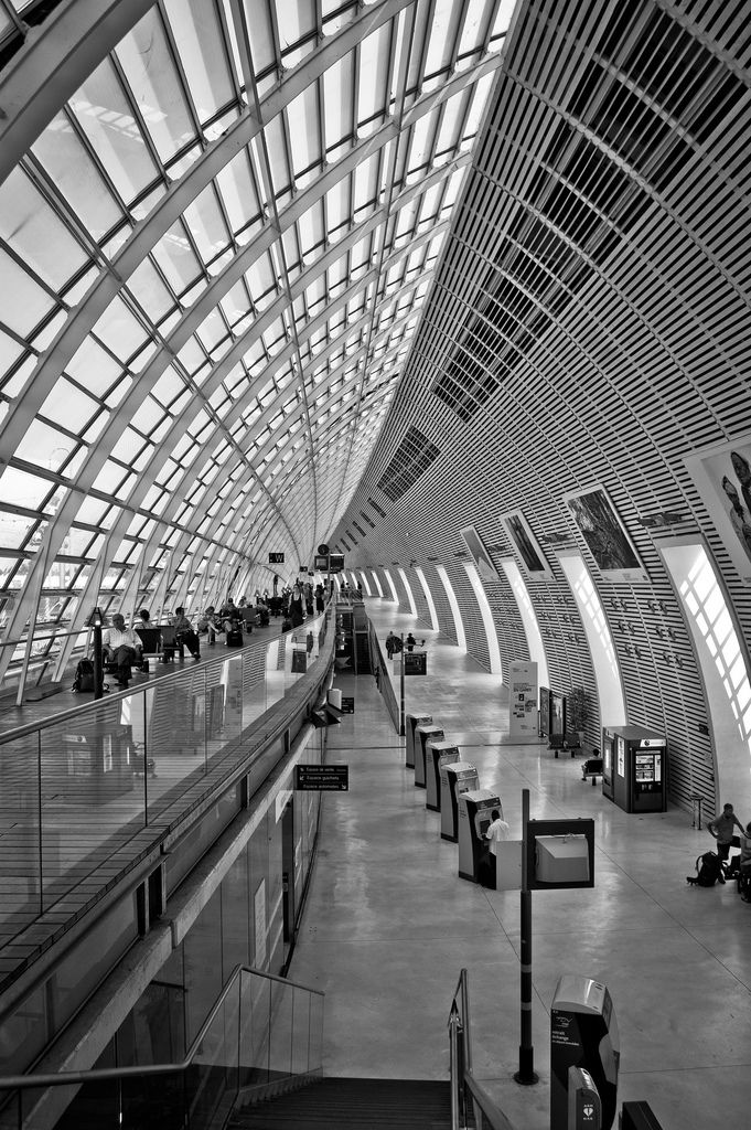 Gare D Avignon Tgv Been There It Was A Truly Impressive Ride From Paris And Them Back Again So Very Smooth Train Station Architecture Avignon France Travel