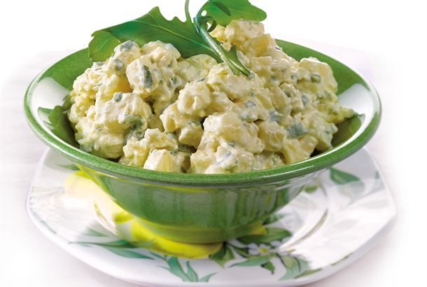 Potato salad with sour cream, blue cheese, arugula and apple. (Finnish recipe from Valio) requires translator