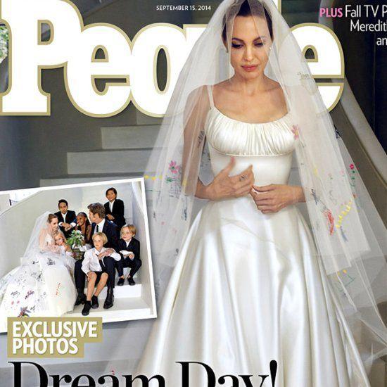 1 Year Later Experience Angelina Jolie And Brad Pitt S Surprise Wedding Celebrity Wedding Dresses Angelina Jolie Wedding Angelina Jolie Wedding Dress