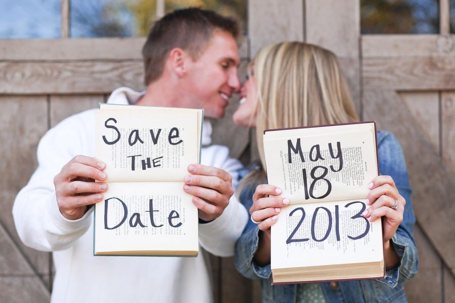 Simple and cute idea for Save The Date signs for e-sessions. Kelly Lemon Photography