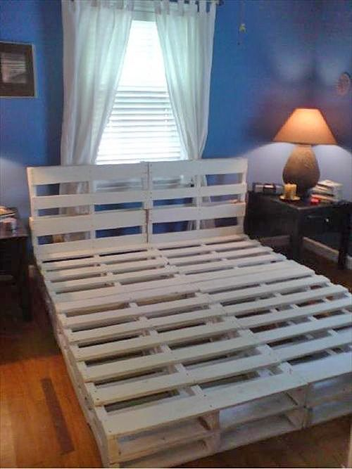 Pallet bed frames on pinterest pallet beds diy bed for Pallet bed frame with side tables