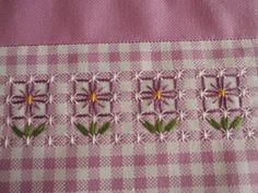 Flores no tecido xadrez