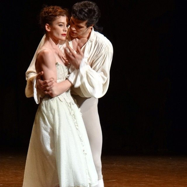 #RobertoBolle Roberto Bolle: #Manon #DesGrieux ❤️ @aurelie__dupont #aboutlove #tonight #performance #grateful  @balletoperadeparis Ph: #MathieuRouaux©