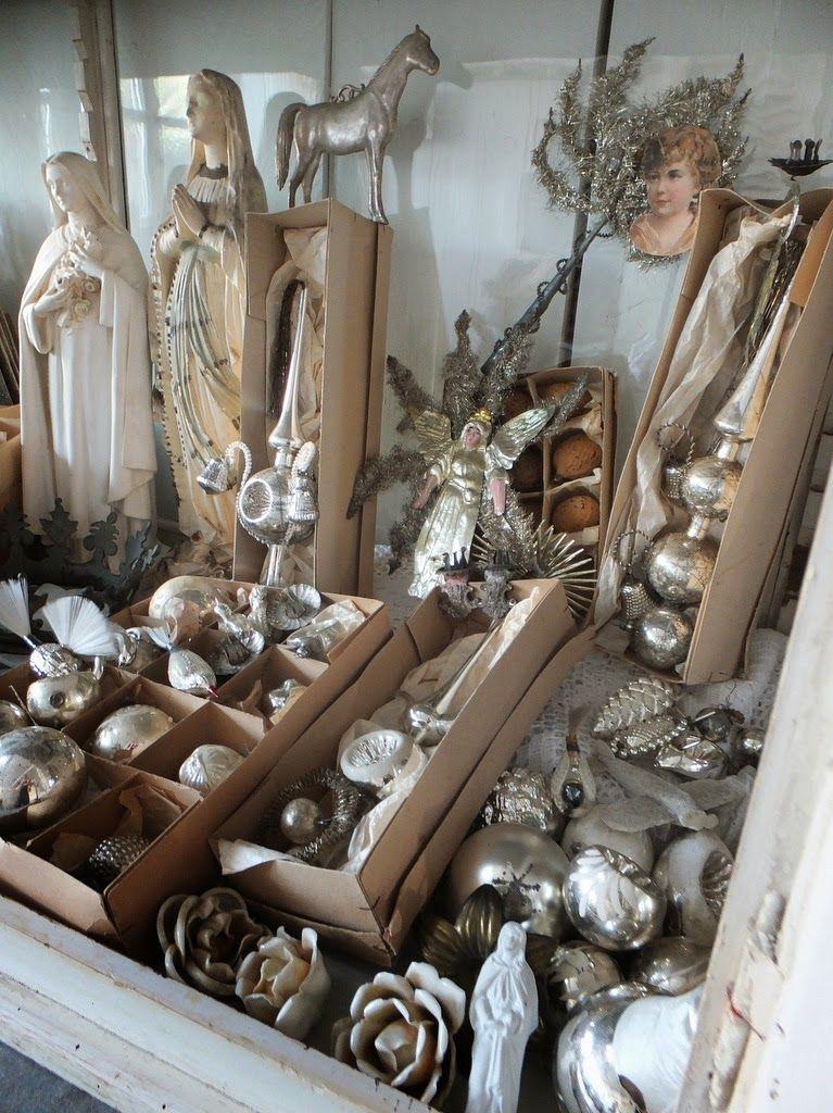 princessgreeneye 2 vitrinen finden ihren platz christmas weihnachten. Black Bedroom Furniture Sets. Home Design Ideas