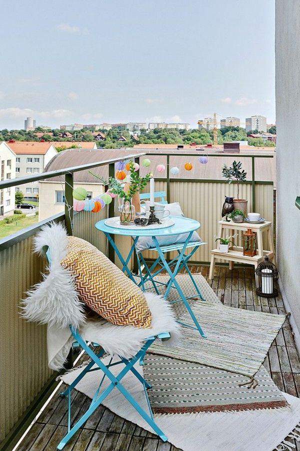 balkon ideen kleiner balkon teppichläufer Balkonmöbel