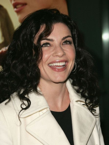 Julianna Margulies Beatiful Curly Hair Curly L O V E Pinterest