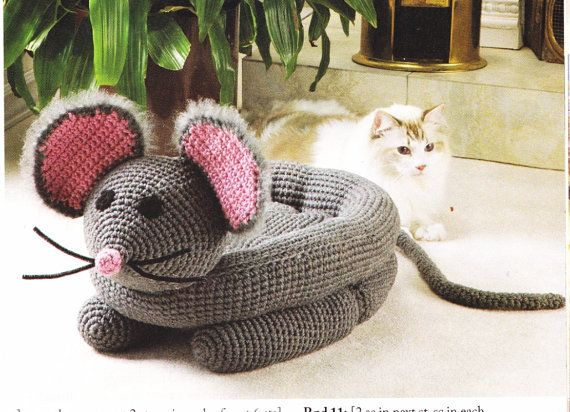 Crochet Pattern For Cat Or Dog Cozy Mouse Bed Womens By