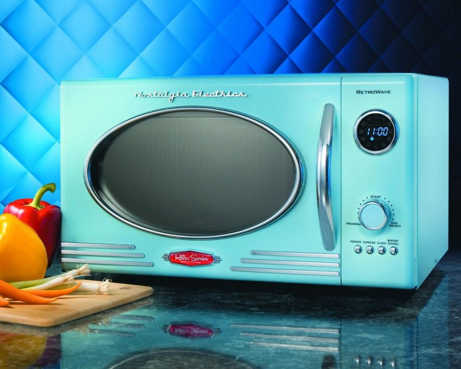 The Nostalgia Electrics Retro Series Microwave Supplies Modern Convenience With A Design Countertop Liance Features 12 Preprogrammed Settings
