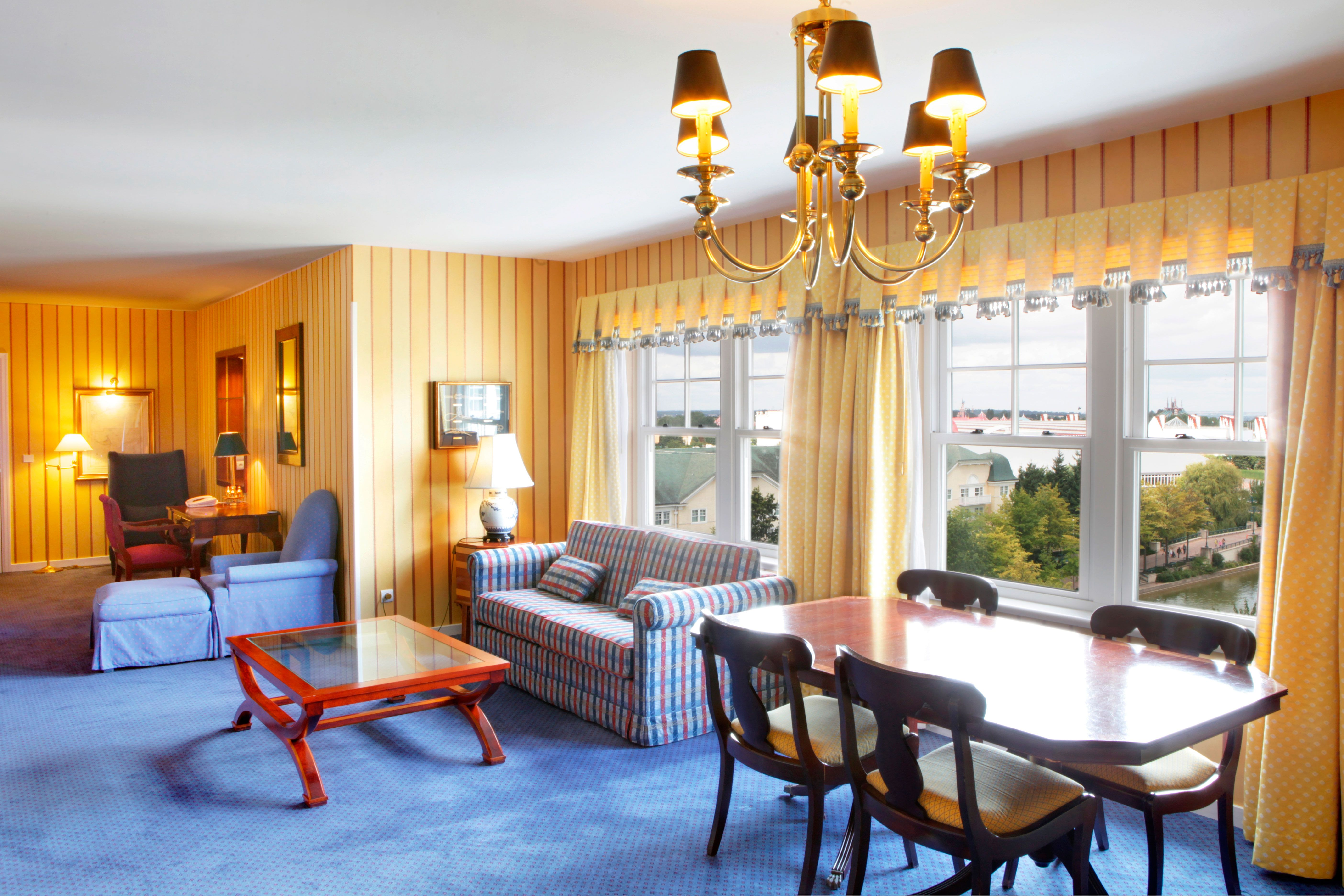 Disney Hotels Newport Bay Club Massachussets Suite