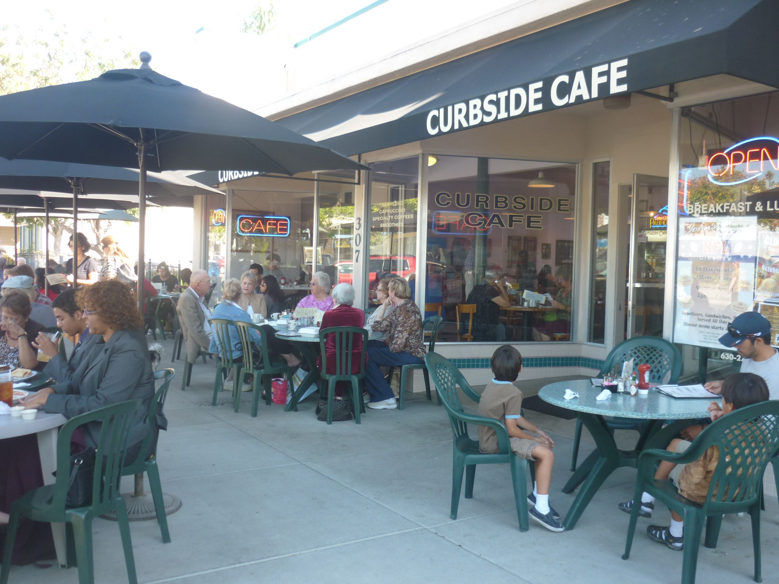 The Curbside Cafe On Main Street In Vista California Has Great Breakfast And Brunch Curbsidecafe