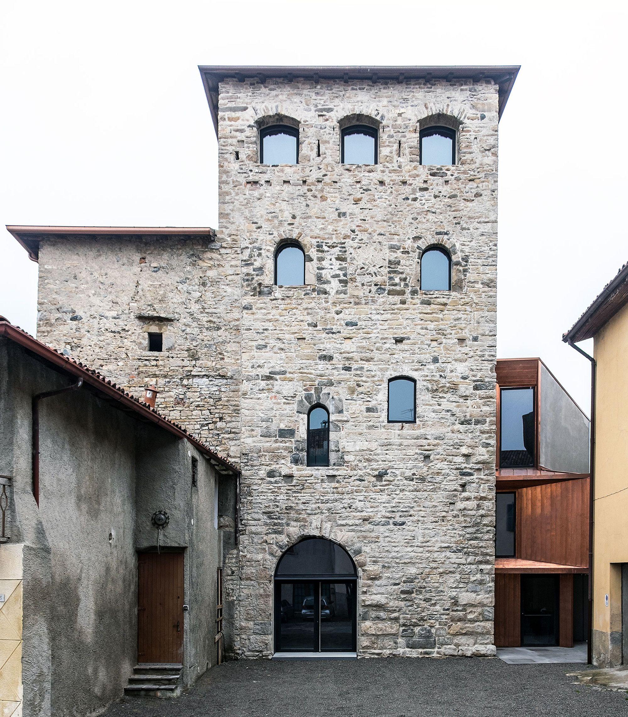 Galeria de Torre del Borgo / Gianluca Gelmini - 7