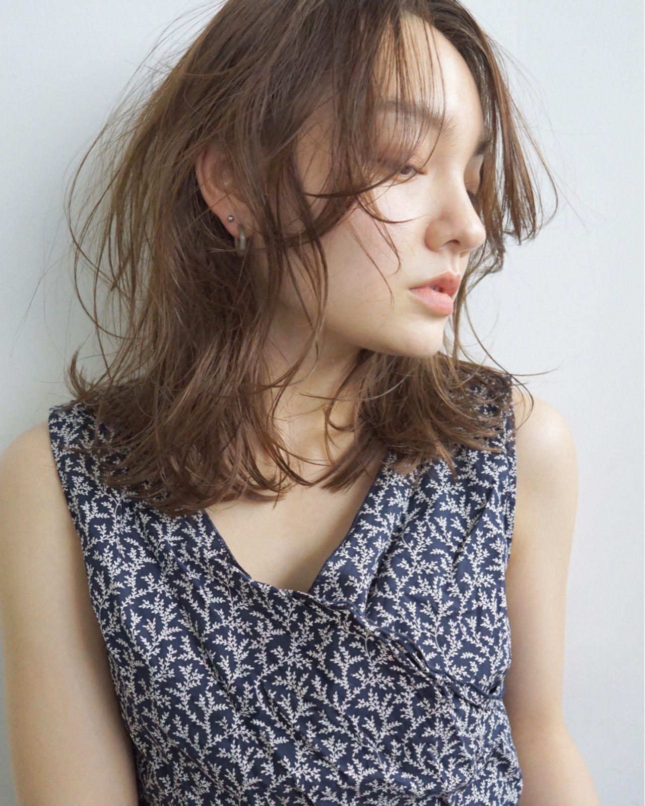 前髪なし が大人っぽさのカギ 美人スタイルカタログ Hair ヘアスタイル ロング ブロンド ロングヘア 美しい赤い髪