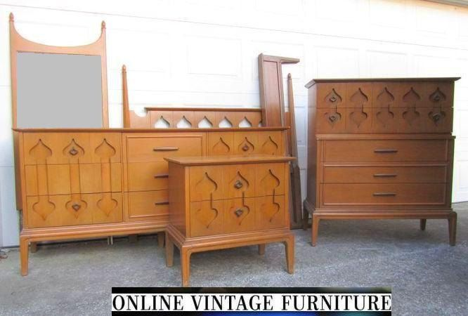 Rare 1960s Bedroom Set Dresser Credenza By Onvintagefurniture Bedroom Furniture Makeover Retro Bedrooms Vintage Bedroom Sets