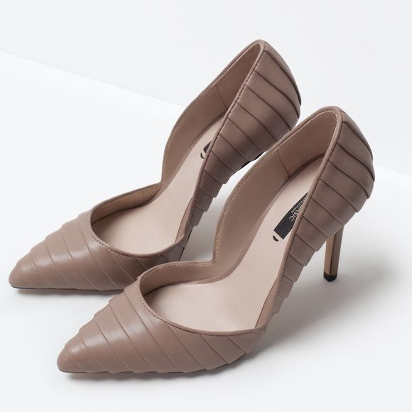 NEW Zara court heels Very stylish heels for fall fashion. New without box never been worn. PRICE IS FIRM, not accepting any offers. Thank you  Zara Shoes Heels