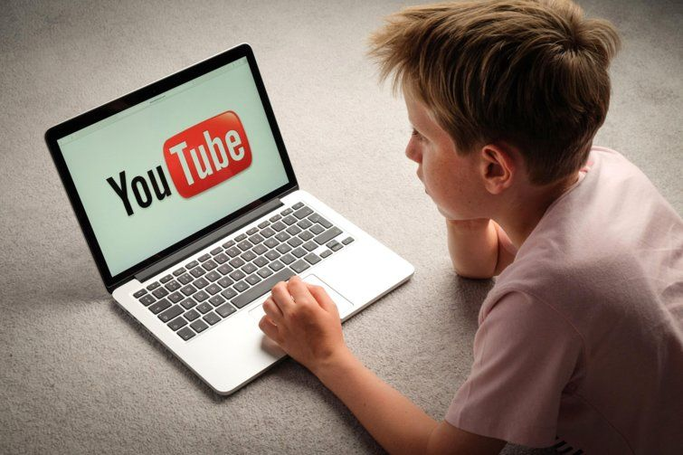 Credit True Images Alamy Youtube Kids Youtube Youtube Vloggers