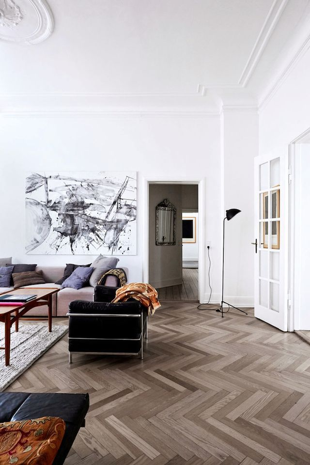 A classic 1900's Copenhagen apartment but with a modern twist.      Photos by Birgitta Wolfgang via Bo Bedre via DustJacket Attic The post A classic but modern apartment appeared first on Daily Dream