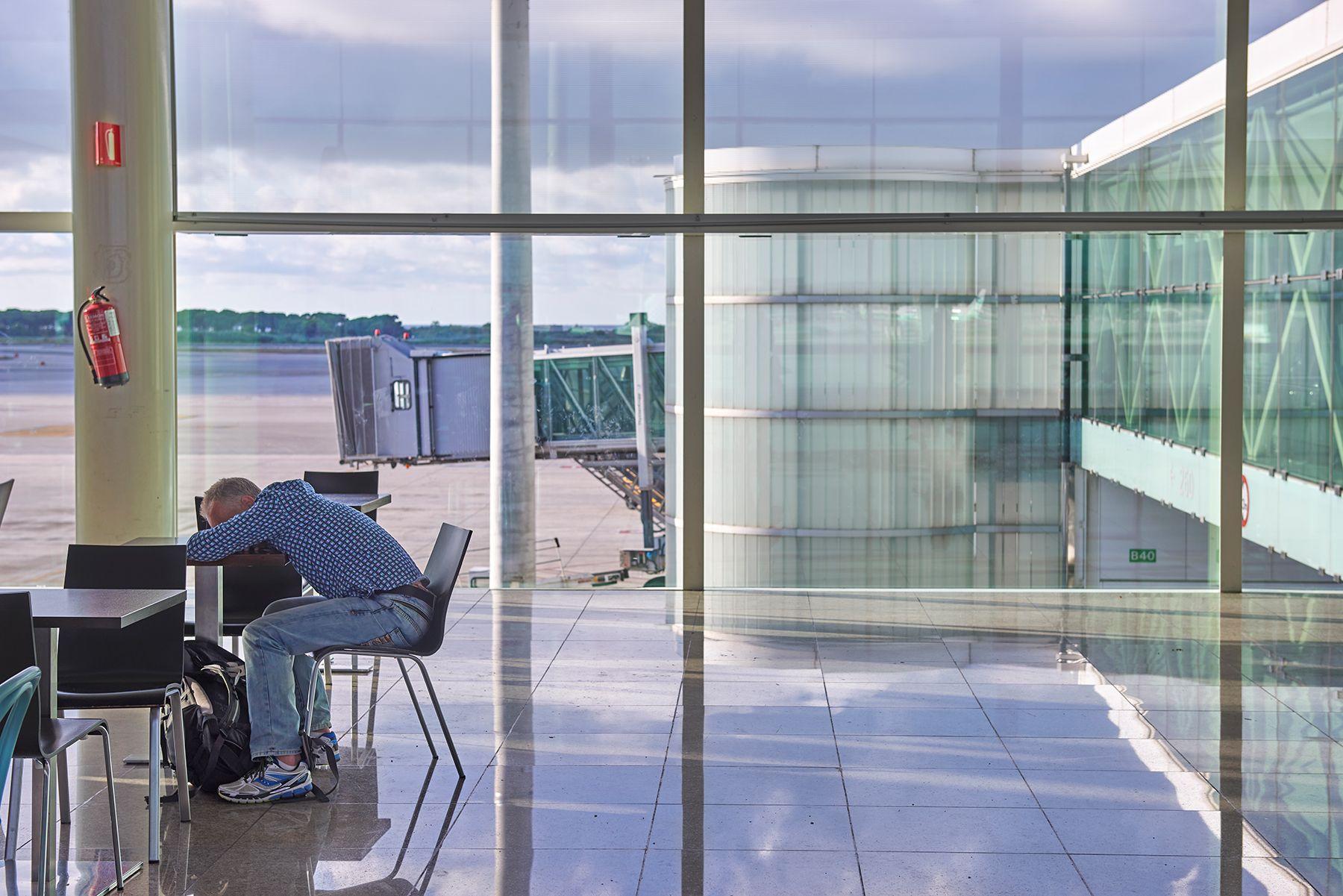 Aeropuertos 17 -durmiendo-