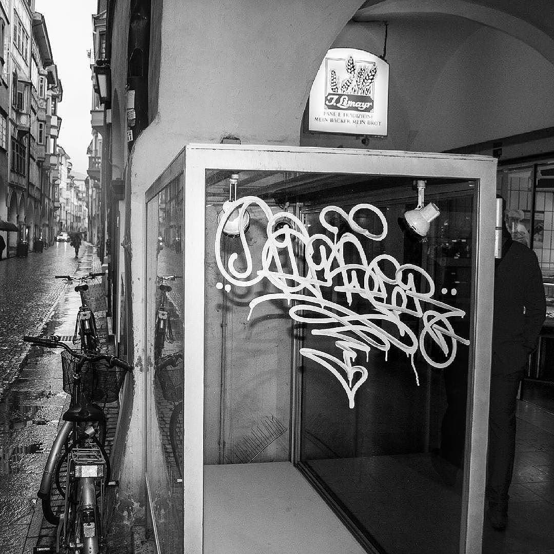 One Liner Madness By Canser Everytagcounts Canser Handstyle Graffiti Follow Handstyler On Inst Graffiti Lettering Graffiti Wallpaper Graffiti Writing