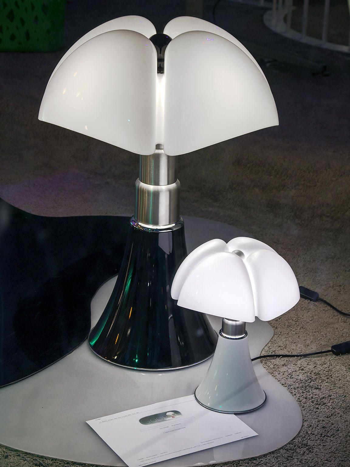 Pipistrello Design By Gae Aulenti Per Martinelli Luce Pipistrello Lampade Moderne Lampade