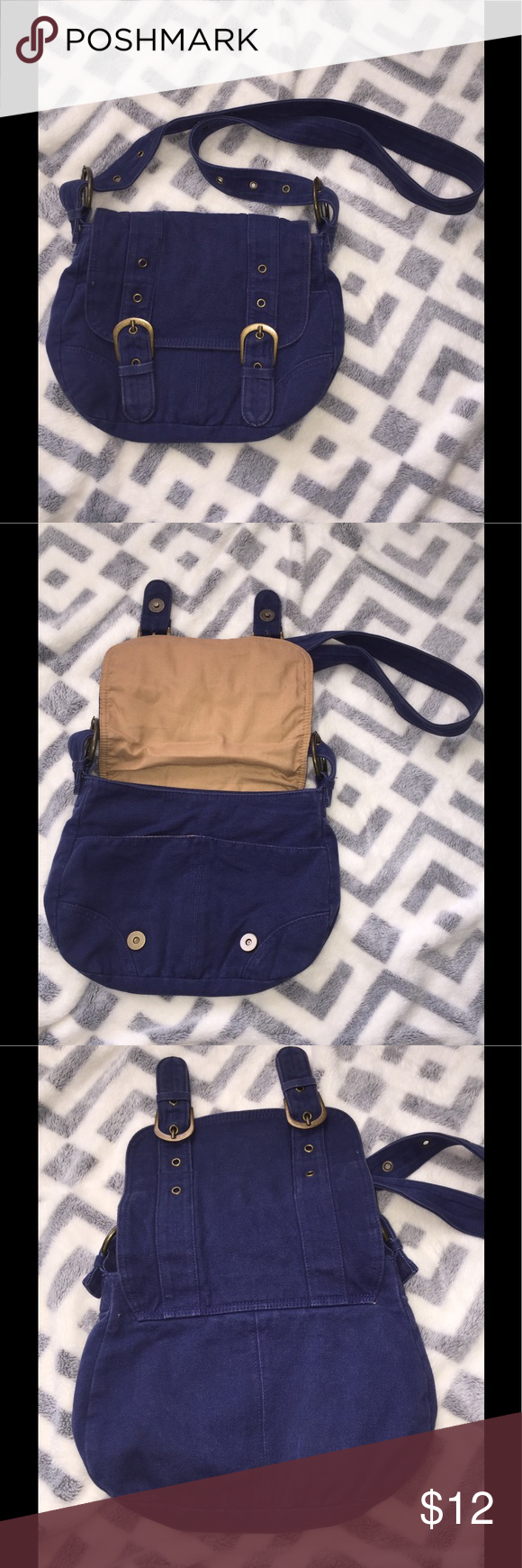 Blue purse Blue satchel purse with gold accents. Hardly used, in great condition! Bags Satchels