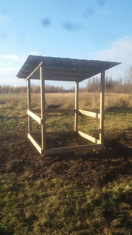Round bale feeder make sure to add metal support ties on