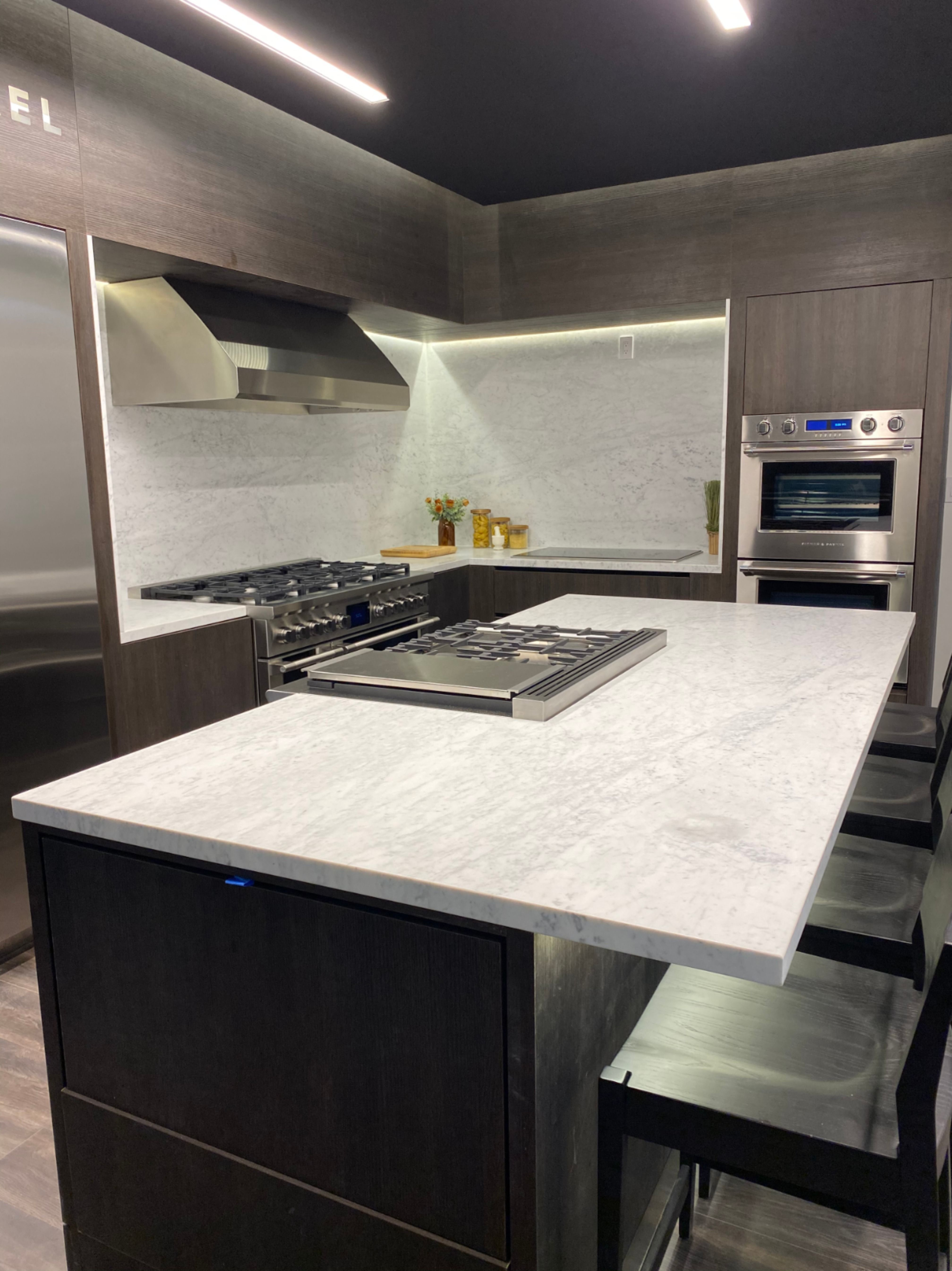 Executive Cabinetry In 2020 Custom Kitchens Design Kitchen Cabinet Design Kitchen Remodel