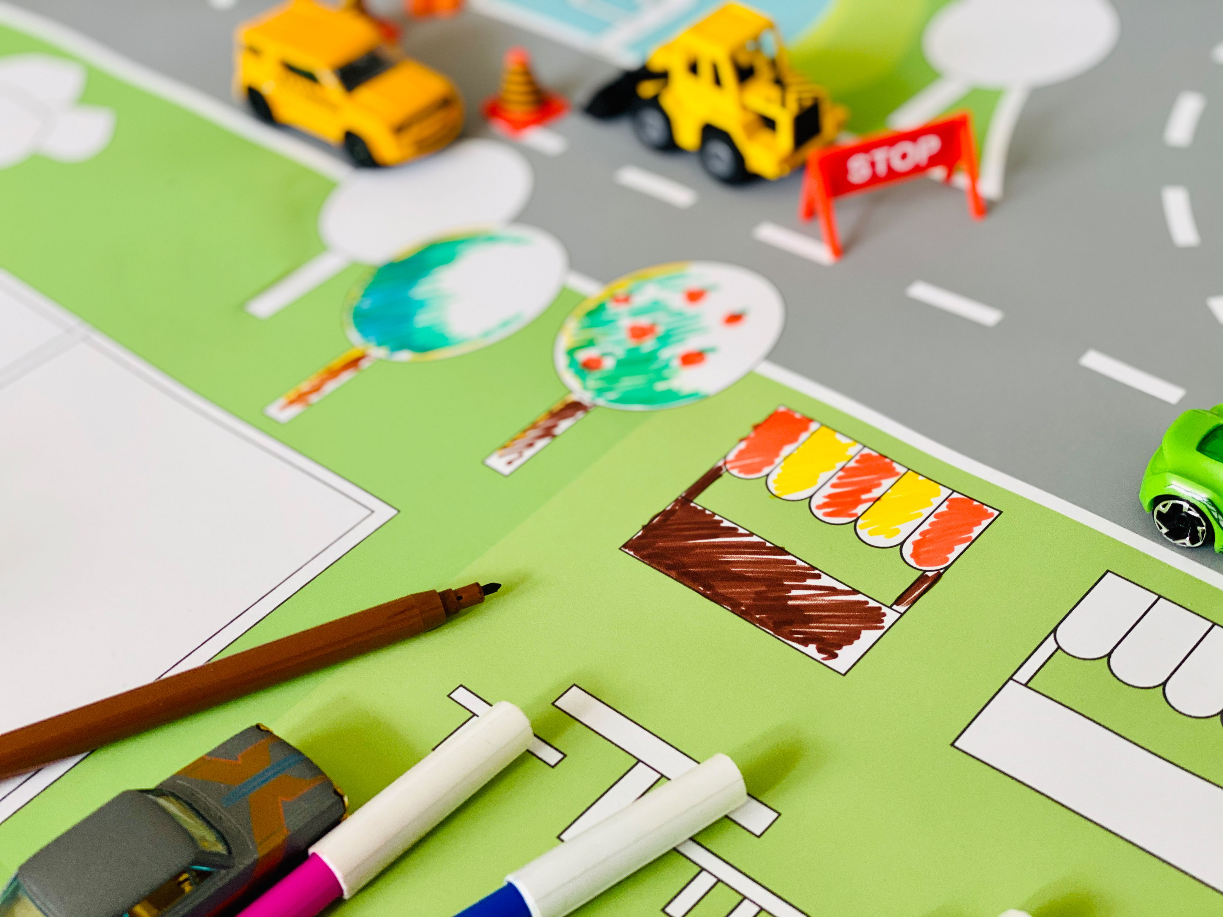 Play Carpet For Coloring Motif Race Track Car Carpet For Painting And Playing Fun Made Of High Quality Tear Resistant Fabric 170 X 95 Cm In 2020 Car Carpet Long Painting Fun